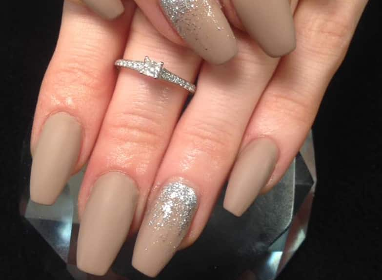 Contemporary What Are The Most Natural Looking Fake Nails Photos ...